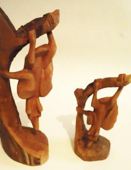 Afrikanische Holzskulptur Fledermäuse