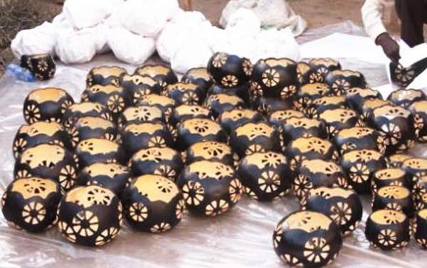 Kalebassen verpacken in Thatha