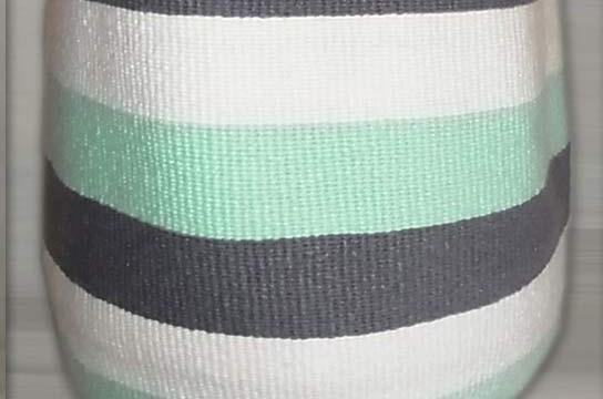Kiondo-Korb grau-grün-weiss Blockstreifen aus Sisal und Wolle